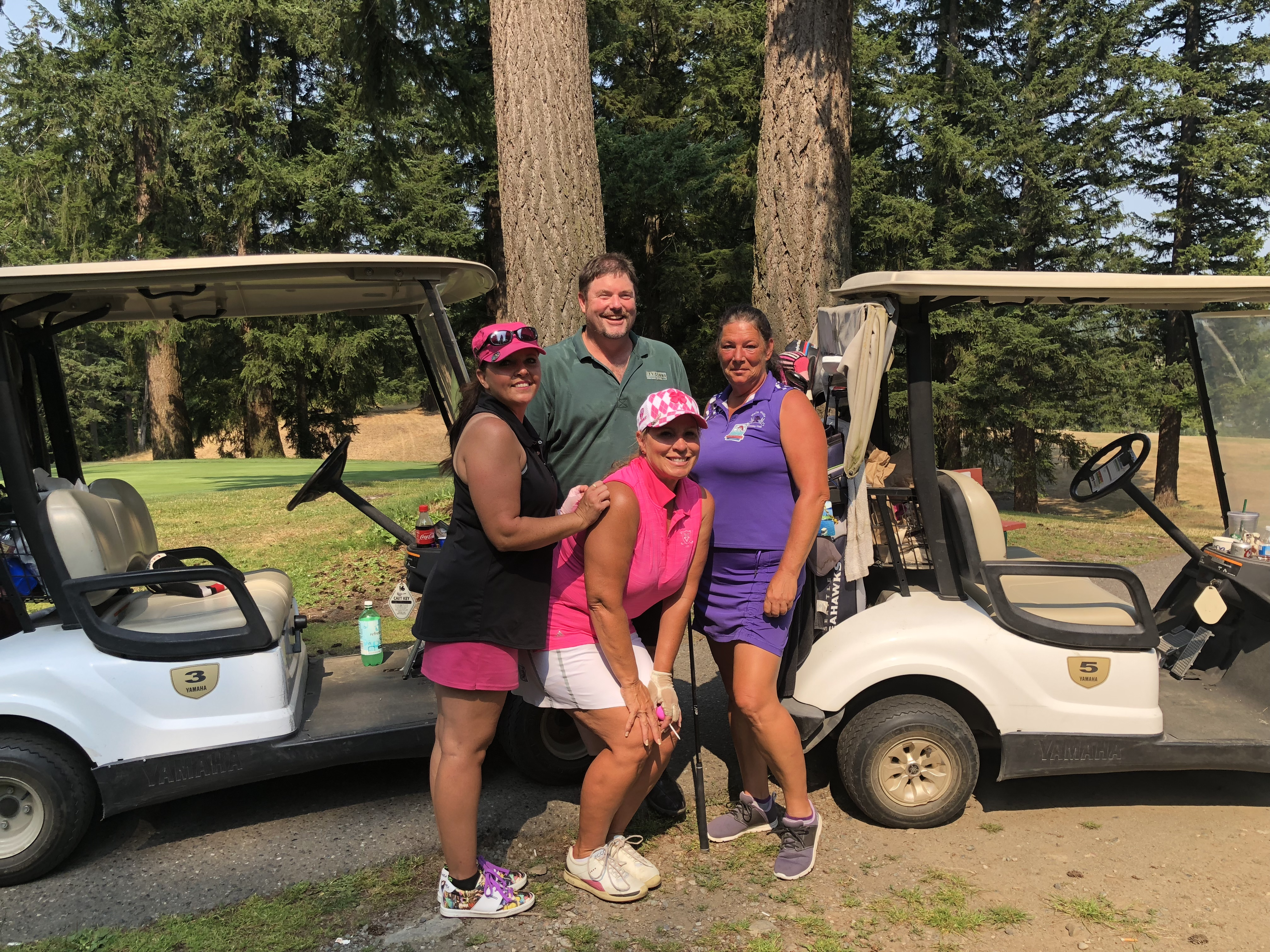 Group of women golfers