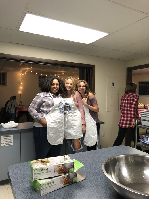 White River Credit Union employees volunteering at Full Bellies