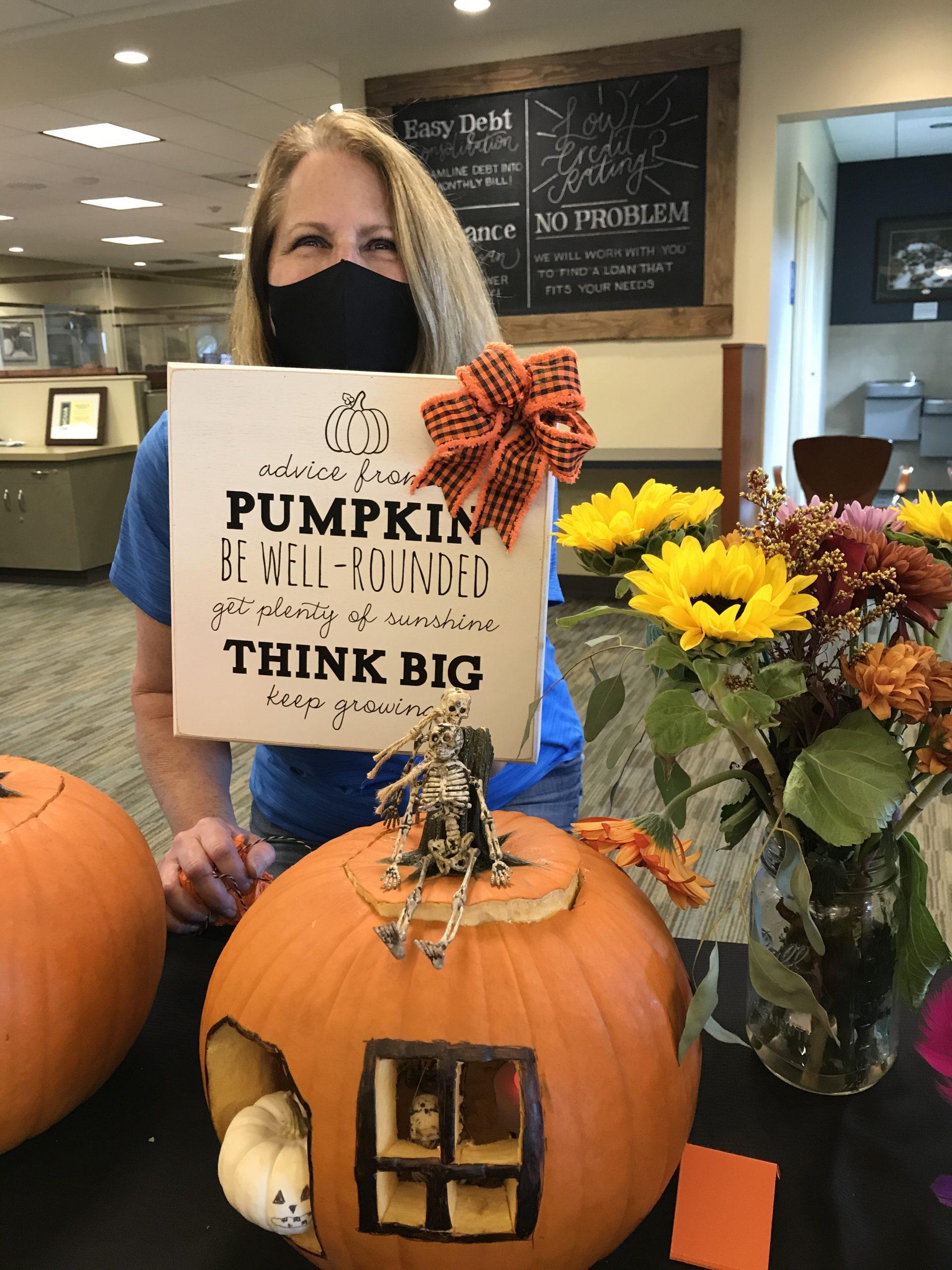 white river credit union pumpkin decorating contest